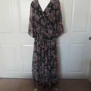 Spy Zone Exchange Floral Boho V-Neck Dress
